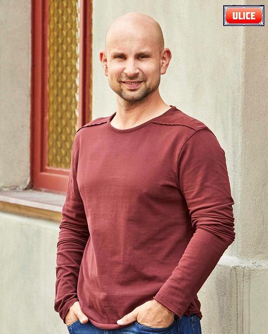 Malvínu alias Šárku diváci Ulice kritizovali za to, že odvedla od rodiny postavu Martina Maléře v podání herce Tomáše Dastlíka.