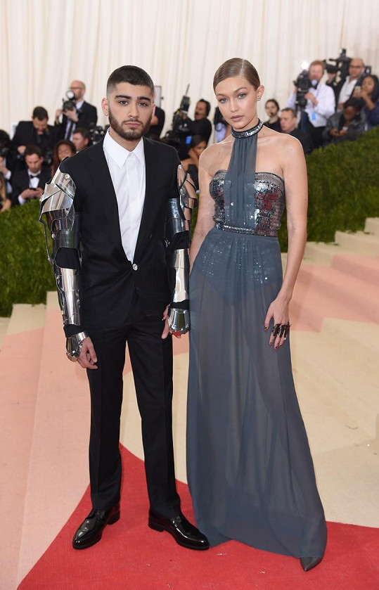 Gigi Hadid dorostla do výšky 179 cm. Je tak vyšší než její partner Zayn Malik o 5 cm. Přidáme-li podpatky, je to ještě víc.