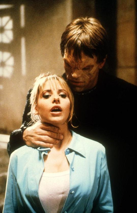 Proslavila se díky seriálu Buffy, přemožitelka upírů.