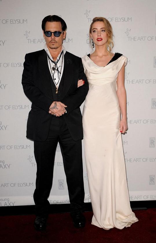 Johnny Depp je opět ženatý muž.