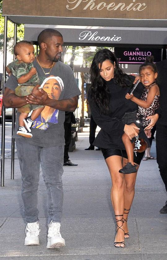 Kim a Kanye s jejich dětmi North a Saintem