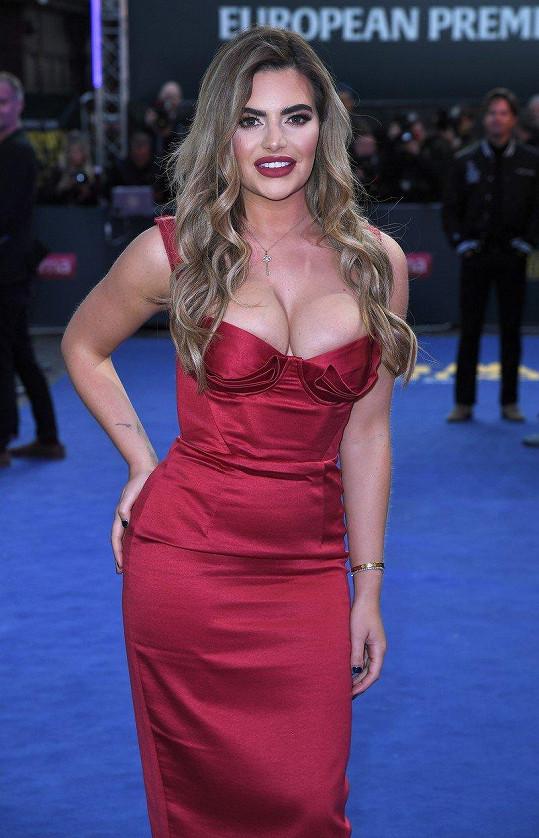 Megan Barton Hanson se blýskla na filmové premiéře.
