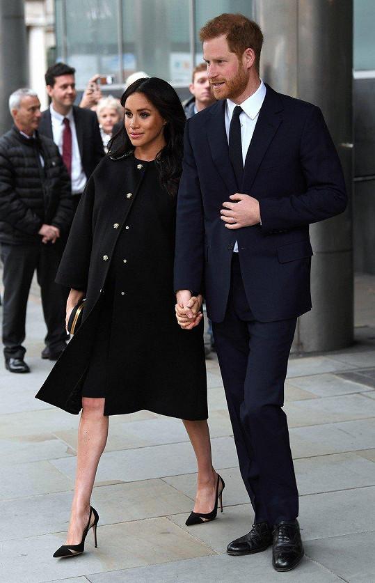Vévoda a vévodkyně ze Sussexu se z hercovy veselky z pochopitelných důvodů omluvili.