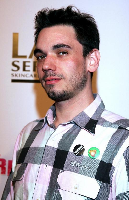 Jediný další přeživší Adam Goldstein se rok po nehodě předávkoval.