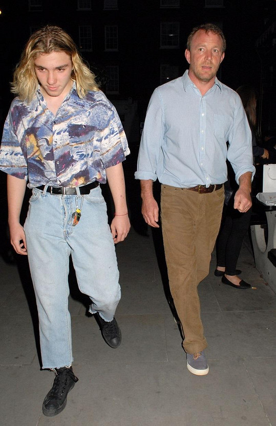 Rocco a Guy Ritchie v nočním Londýně