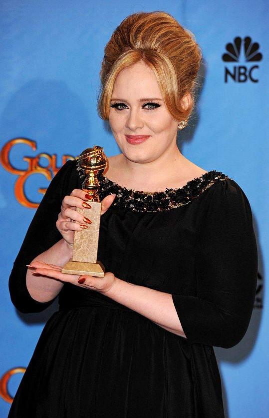 Adele opustil otec ve třech letech. V lásce ho sice nemá, ale údajně mu odpustila.