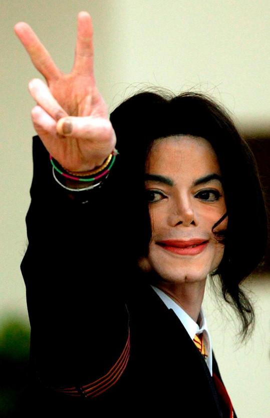 Michael Jackson zemřel před 12 lety.