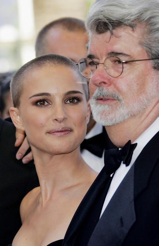 Téměř dohola ostříhaná se objevila v květnu 2005 na premiéře filmu Star Wars: Epizoda III - Vzpoura Sithů na filmovém festivalu v Cannes.