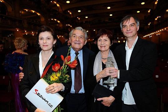 Ivana Trojan s rodinou.