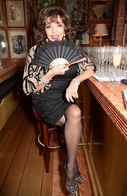 Joan Collins má na osmdesátnici neuvěitelné nohy.