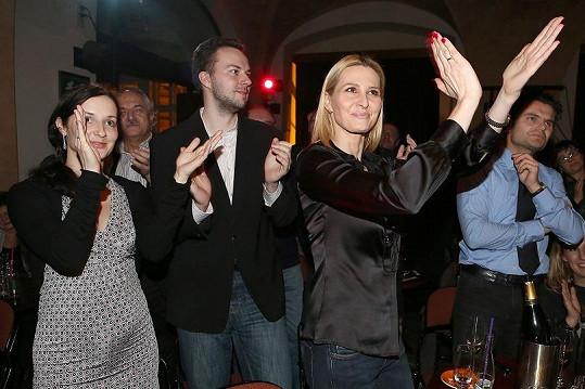 Ivana s bratrem a švagrovou si koncert užívali.