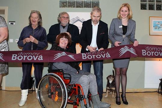 Eben s manželkou, Nina Divíšková a Jan Kačer zahajovali provoz domova pro seniory.