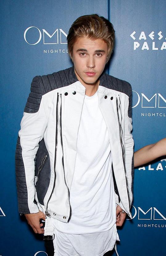 Justin Bieber je v pořádném průšvihu.
