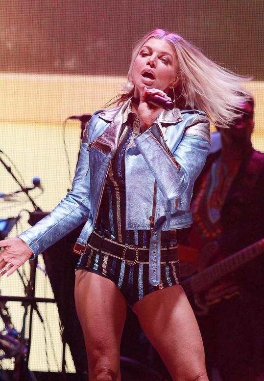 Fergie zazpívala na přehlídce Tommy Hilfiger.