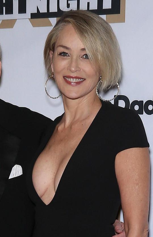 Sharon Stone na události Celebrity Fight Night v Arizoně