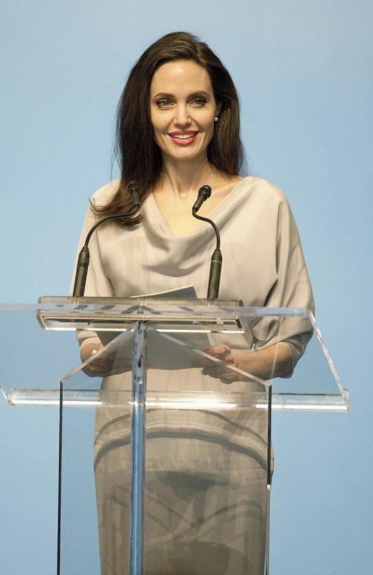 Angelina Jolie vystoupila na kongresu ve Vancouveru.