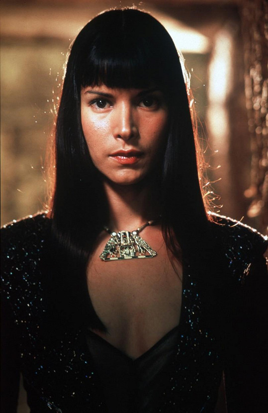 Jeho lásku Anuk-Su Namun si zahrála krásná Patricia Velásquez.