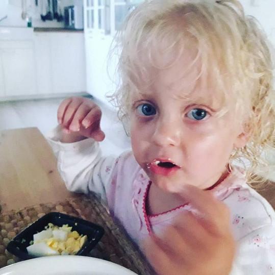 Malá Mia je celý pradědeček.