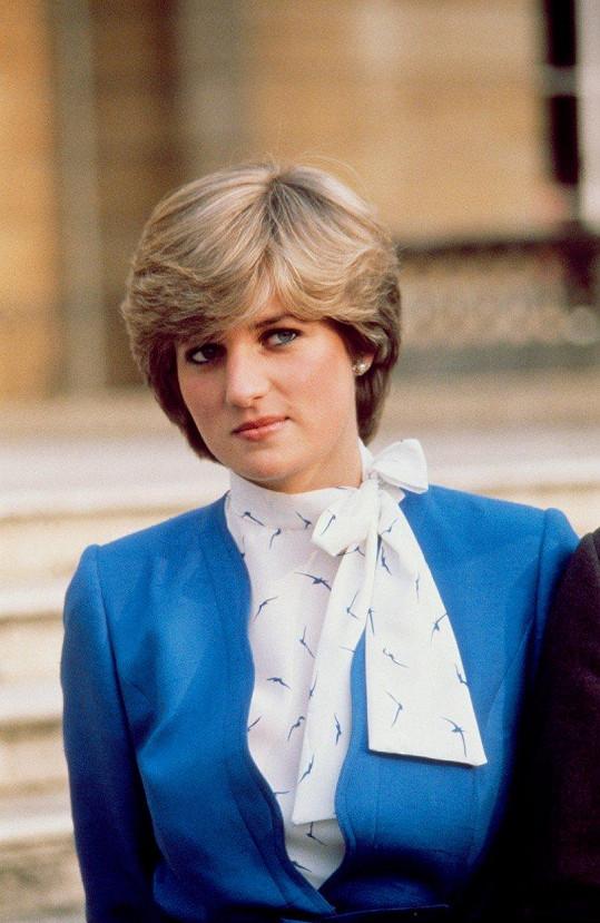 Emma Corrin ztvární Dianu mezi jejím 18. a 22. rokem. Na snímku je jí dvacet let. Princezna z Walesu zemřela v roce 1997 na následky zranění po autonehodě.