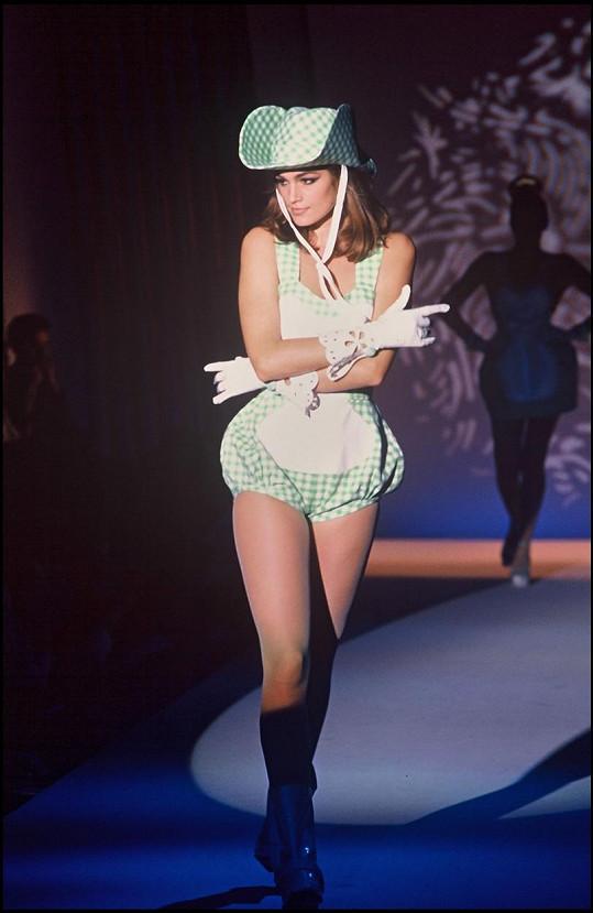 Cindy Crawford byla vždy ozdobou módních přehlídek.