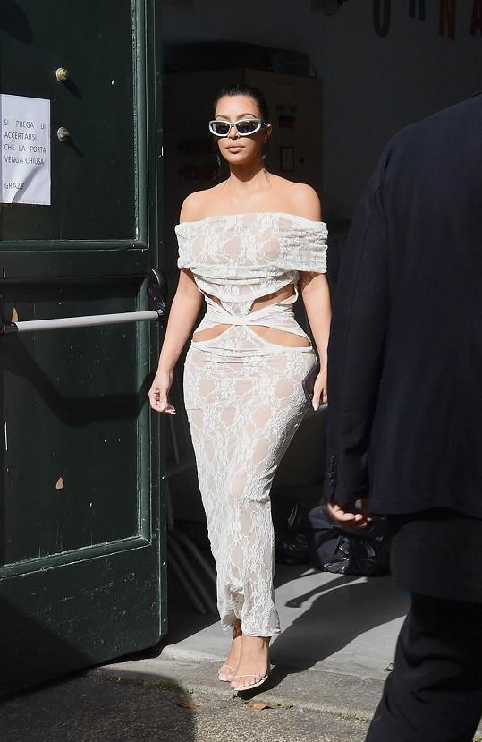 A takhle oděná vyrazila do Vatikánu.