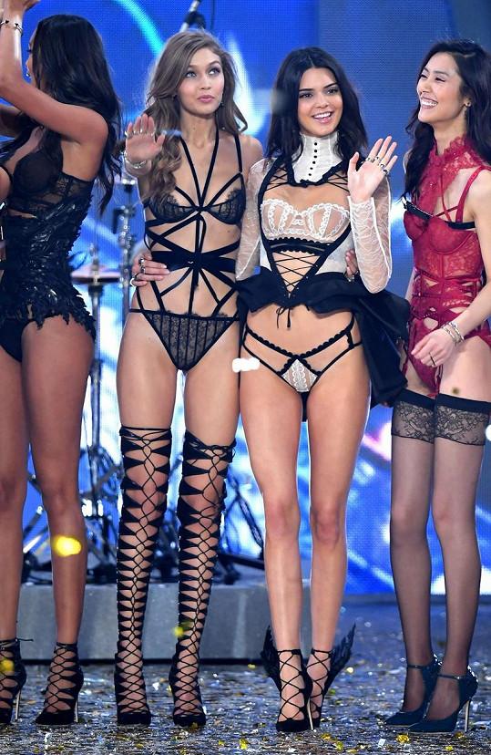 Nejlepší kamarádky Gigi a Kendall po nedávné přehlídce Victoria's Secret.