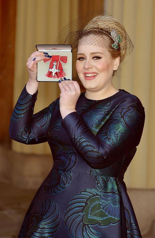 V prosinci 2013 byla v Buckinghamském paláci oceněna Řádem britského impéria za přínos hudbě.