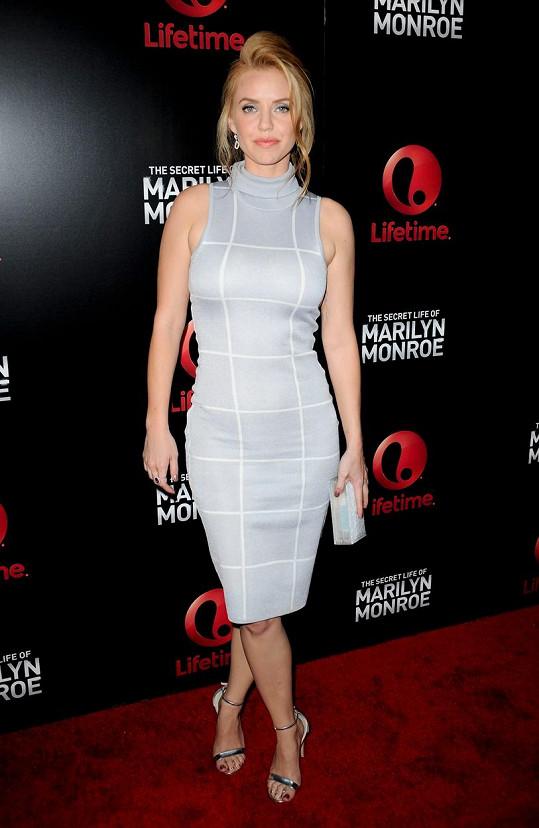 Kelli Garner na premiéře minisérie o hollywoodské ikoně