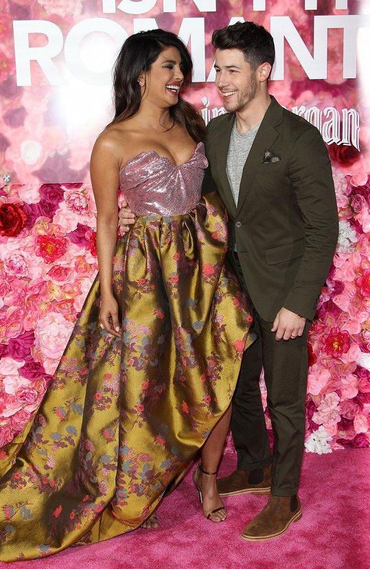 Priyanka Chopra a Nick Jonas na premiéře filmu Isn't It Romantic