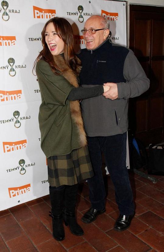René Přibil s Terezou Kostkovou na jednom z posledních snímků. V lednu se zúčastnil tiskovky k seriálu Temný kraj.