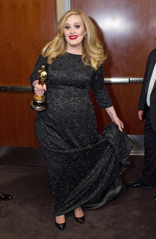 A v témže roce získala i Oscara za titulní píseň k bondovce Skyfall.