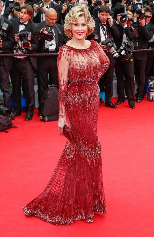 Ve stejných šatech se objevila už v Cannes v roce 2014.