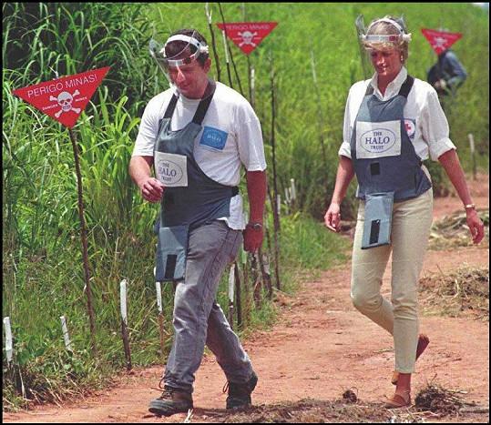 Dianino kráčení po minovém poli v Angole