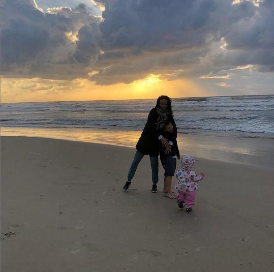 Do Tel Avivu odletěla i Agáta s dětmi.