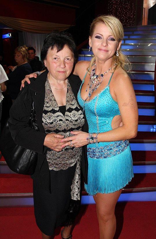 V roce 2009 se Svatava přišla na dceru podívat na natáčení slovenské taneční soutěže Let´s Dance.