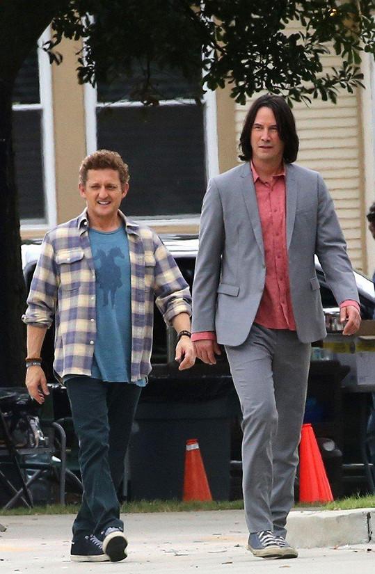 Keanu Reeves a Alex Winter spolu natáčí třetí pokračování filmu o Tedovi a Billovi.