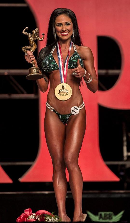 Nejkrásnější tělo v bikinách má oficiálně Ashley Kaltwasser.
