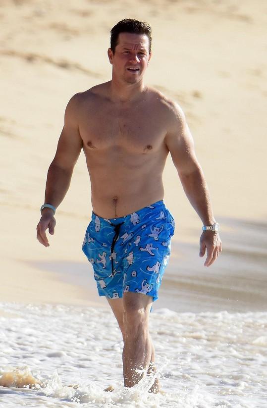 Mark Wahlberg vyrazil na Barbados.