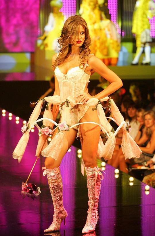 Patřila k ozdobám módních přehlídek.