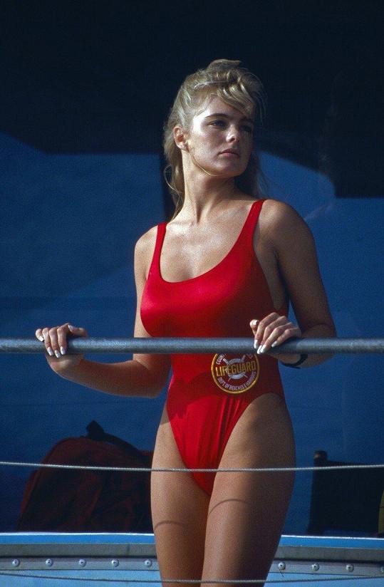 Erika Eleniak byla v seriálu od počátku.