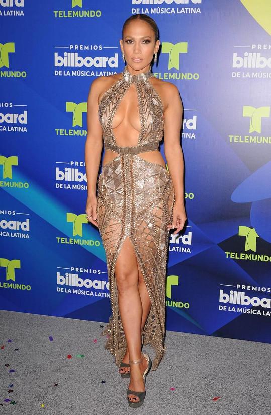 Jennifer Lopez má co ukázat.