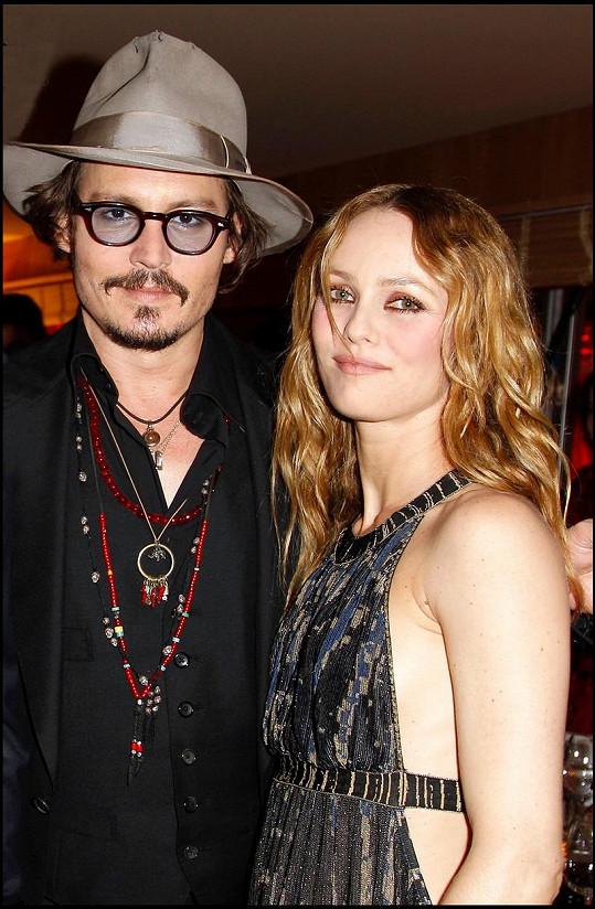 Rodiči Lily-Rose jsou herec Johnny Depp a herečka a zpěvačka Vanessa Paradis.