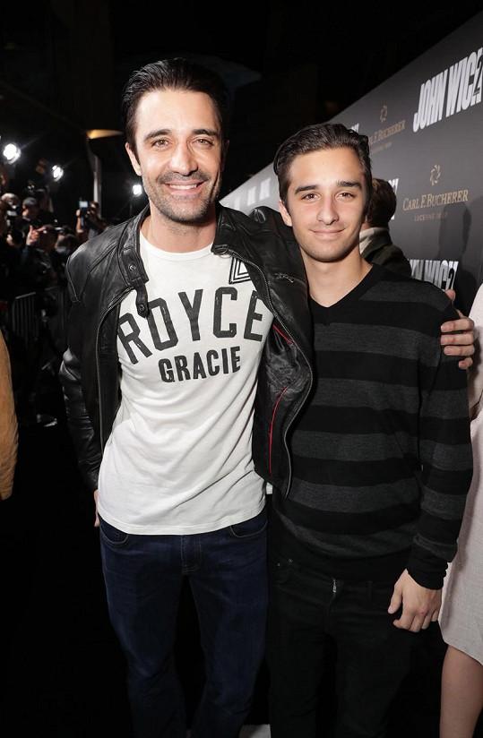 Georges podobu s tatínkem nezapře.
