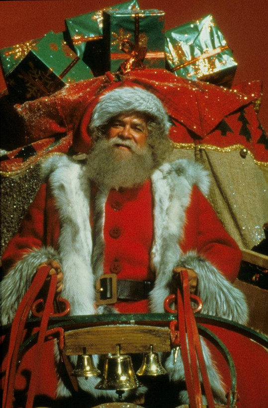 David Huddleston jako Santa Claus (1985)