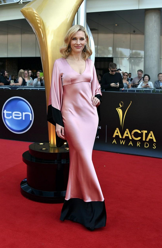 Cate Blanchett to opět slušelo.