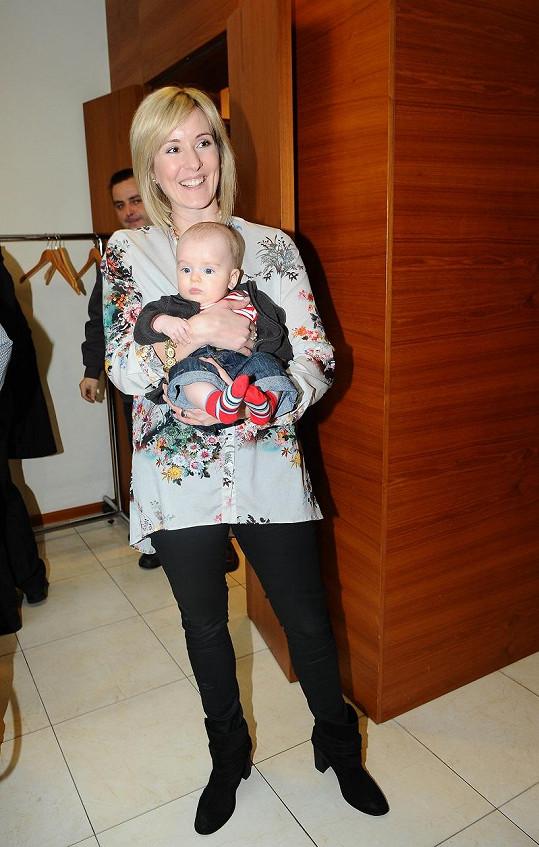 Jovanka vzala na párty i pětiměsíčního syna Adámka.