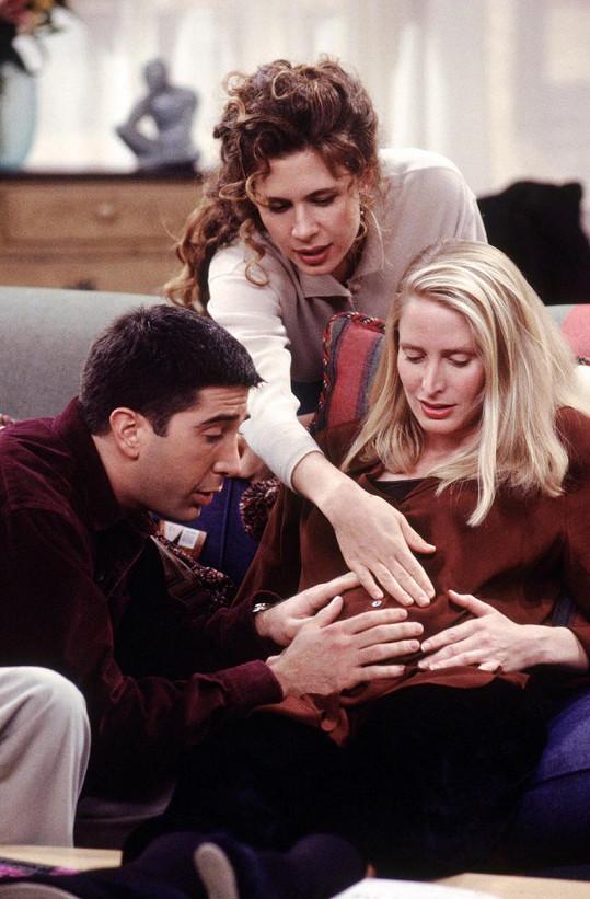 Jane Sibbett (vpravo) si v Přátelích zahrála první Rossovu manželku Carol, která ho opustí kvůli přítelkyni Susan.