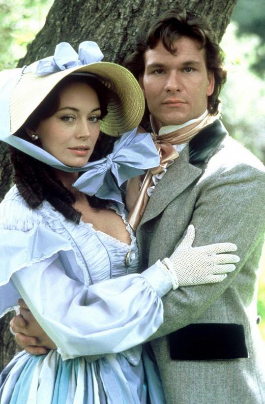 Patrick Swayze v seriálu Sever a Jih. Psal se rok 1985.