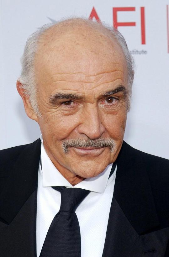 Sir Sean Connery zemřel v požehnaném věku. Bylo mu 90 let.