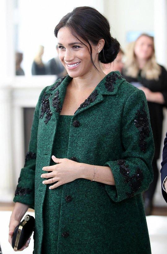 Vévodkyně ze Sussexu Meghan se dočkala pochvaly od uznávané módní guru.